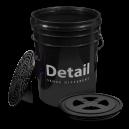 Ведро для мойки автомобиля Detail с крышкой и пескоотделителем  (чёрное)